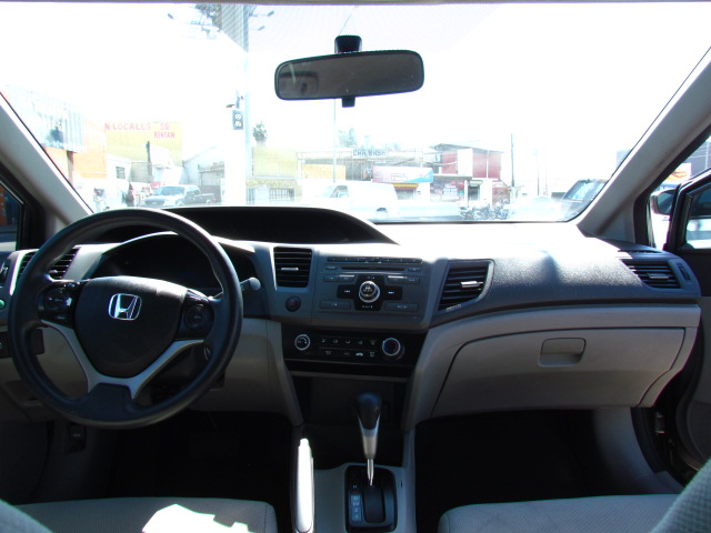 Honda Civic 2012 007